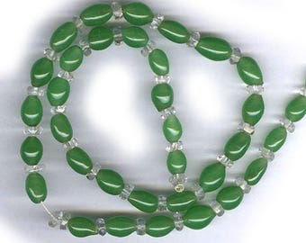 vintage PEKING GLASS style japanese glass beads, deep classic green old glass beads GREEN glass beads graduated