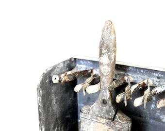 Vintage Paintbrush Holder, Metal Paintbrush Box, Vintage Store Display, Metal Tool Rack, Antique Tool, Photo Prop, Gifts for Men, Painter's