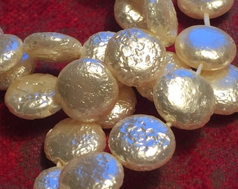 Vintage Glass Beads (16)(11x4mm) Beautiful Pearl Disc Beads