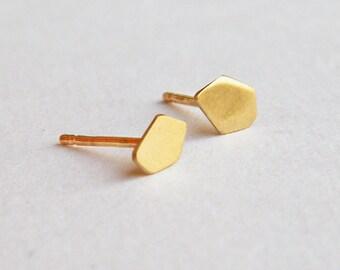 Nugget earrings, minimalist gold stud earrings, tiny gold stud earrings, 14k gold stud earrings, small gold earrings, solid 14k gold earring