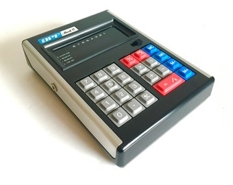1973 APF Mark VI Vintage Portable Electronic Calculator with Original Box and Carrying Case