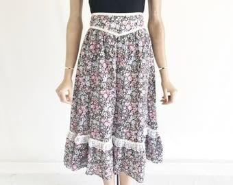 Vintage 70's GUnne Sax Style Prairie Skirt. Size Medium