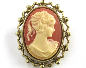 Vintage Cameo Brooch / Cameo Brooch in a Gold-tone Setting