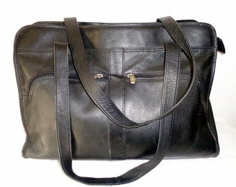 Piel handmade in Colombia vintage briefcase,  court bag ,old school bag. business  top zip tote  in black  genuine Colombian leather