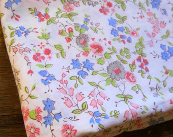 Vintage Sheet Fabric, French Florals, Flower Fabric, Reclaimed Fabric, 1950s Style, Quilting Fabric, Patchwork, Fabric & Notions, Fabric