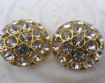 Vintage Buttons - 2 beautiful flower design rhinestone embellished, antique gold finish metal (jan 139-17)