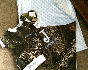 Personalized Blue trim Baby Boys Newborn Camo Camouflage 4 piece Set coming Home Creeper hat Booties Blanket 36 x 29