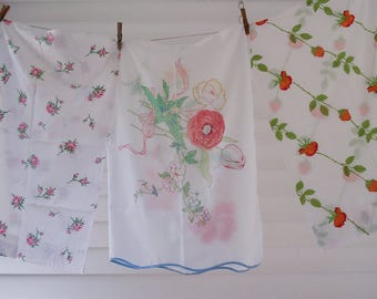 Set of 3 vintage floral pillowcases