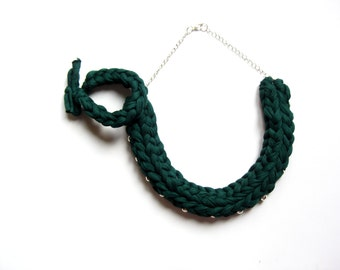 Emerald green Knitted necklace, Dark green braided necklace, boho necklace, tshirt yarn necklace, green cotton necklace,green jewelry