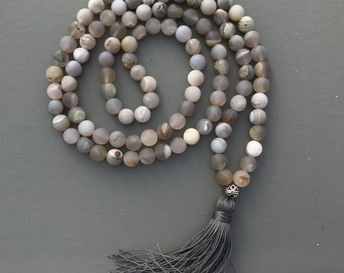 light grey matte druzy agate 108 bead mala with tassel, beaded necklace, tassel necklace, boho necklace, grey necklace, yoga necklace