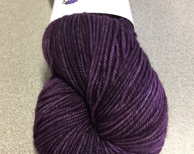 The Periwinkle Sheep sport wolle - elderberry