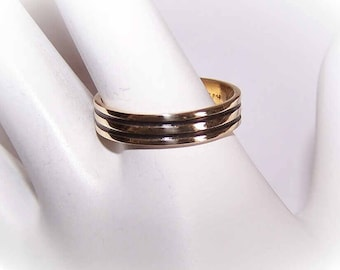 Vintage 14K Gold,14K Gold Ring,14K Gold Wedding Ring,14K Gold Wedding Band,Enamel,Black Enamel,Black Stripes,Groom's Ring,Groom
