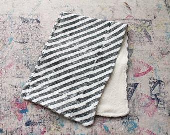 Hand-Blocked Print Organic Knit Burp Cloth Bamboo Terry Cloth Black White Stripe Baby Boy Girl Shower Gift