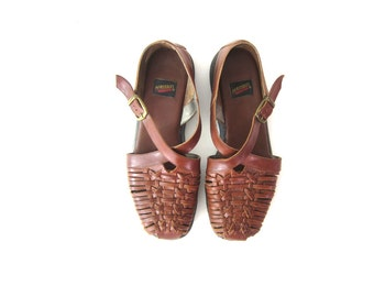 Woven Leather 90s brown braided Shoes Sandals Vintage 1990s Buckled Closed Toe Shoes Womens size 9.5 US