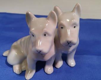 Gold Castle Schnauzer Terrier Scottie Dog Figurine CHICUSA Porcelain #B468