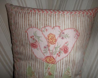 Simply Sheila decorative pillow tulip in shades of peach