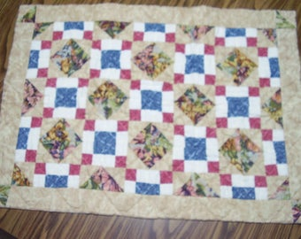 Victorian Mini Quilt Wall Hanging Blanket