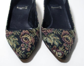 Vintage Kenneth Cole Black Tapestry Slip on Princess Heels Womens Shoes Size 6