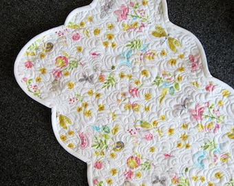 Quilted table runner spring  flowers scallop edge Cottage chic feminine bedroom Quiltsy handmade