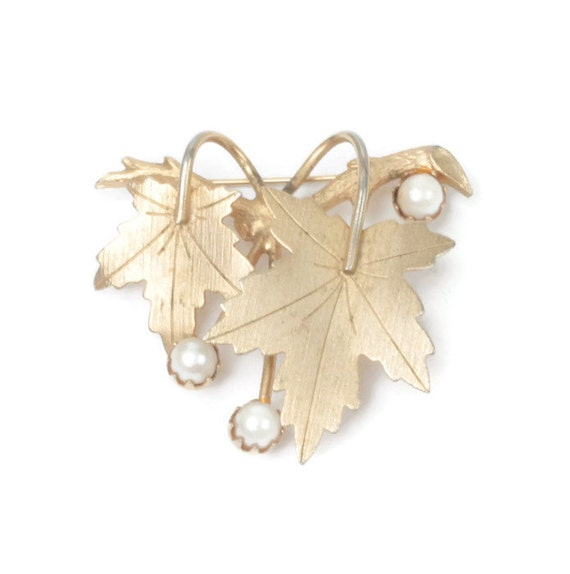 Cultured Pearl Leaf Brooch Sarah Coventry Precious 1960s Mid Century Jewelry Vintage