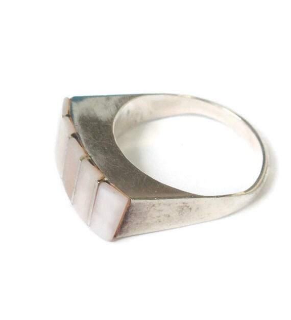 Pink MOP Shell Sterling Modernist Ring Size 7 Vintage