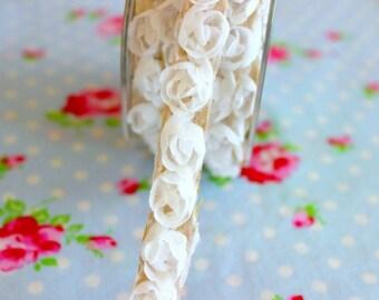 Adhesive Woven Rosettes Trim- White - 5/8 inch - 1 Yard