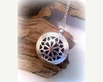 Xmas Sale Aromatherapy Locket Necklace,Essential Oil Diffuser Necklace,Perfume Locket Necklace,Homeopathic,Fragrance Necklace,Younglivingoil