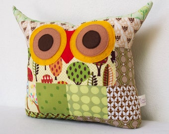 Use coupon codes/SALE/PATCHWORK /Green /olive/pillow cusghion/owl cushion/owl decoration /apple tree owl pillow/Ready to ship