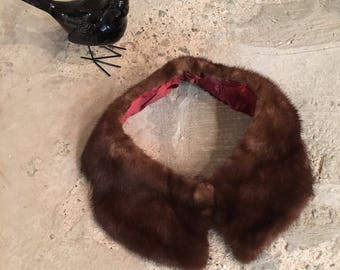 Vintage Fur Collar - Brown Mink Collar - Notched - Upcycled Recycled Fur - 1950s 1960s Vintage - Fur Accessory Fun Quirky Interesting Status