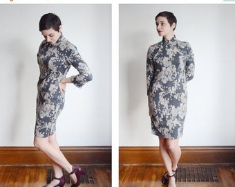 SPRING CLEANING SALE 50s/60s Floral and Paisley Grey Cheongsam - S