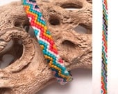 Friendship bracelet - embroidery floss - zigzag pattern - bright colors - handmade - narrow - knotted - woven - thread - string