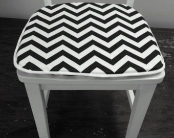 "Set of 4 Flat chair pads, seat cushions, 1"" thick foam, black and white zigzag, cotton"