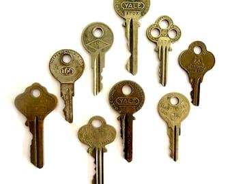 9 Vintage keys Antique keys Old keys Interesting old keys Flat keys Words and writing Bulk keys Wedding keys Numbers Metal Junk Drawer A! *3