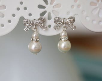 Bridal Earrings - Pearl and Silver Bow