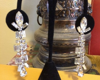 Vintage 40s Glam Long Dangle Rhinestone Ladies Earrings Holiday Bridal