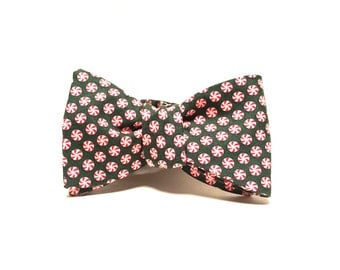 Green Peppermint Candy Freestyle Bow Tie