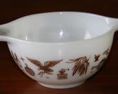 Vintage Early American Eagle Pyrex 1.5 Pint Cinderella Brown White Mixing Bowl