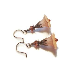 Acrylic Flower Dangle Earrings Feminine Vintage Style Earrings Flower Dangles