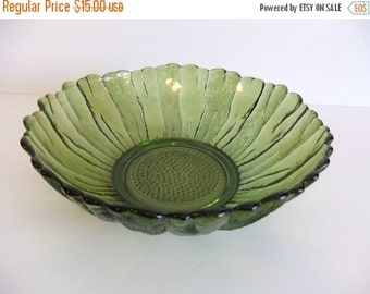 Christmas Sale Vintage Green Glass Serving Bowl