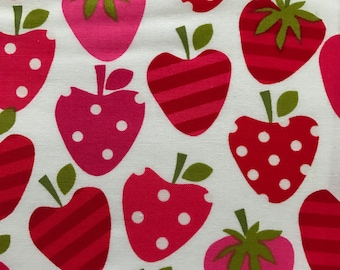 Robert Kaufman Fun Food Metro Market ASSORTED Pink Red STRAWBERRY Strawberries Fabric