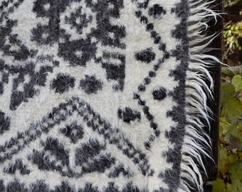 Wool blanket - bed cover - traditionally handwoven in Maramures, Romania
