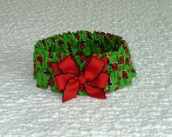 """Dog Ruffle Collar, Pet Bandana, Happy Ladybugs Dog Scrunchie Collar with red and black bow - Size L: 16"""" to 18"""" neck"""