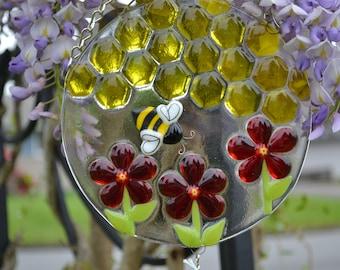 Bumble Bee Wind Chime, Fused Glass, Red Flowers, Beekeeps Gift, Housewarming Gift, Gardeners Gift, Garden Art, Yard Art, Patio Decor
