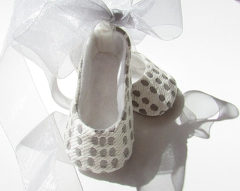Baby Girl Shoes . Gray Polka Dot Baby Flats . Dress Shoes . Infant Ballet Slippers . Christening Shoes .  Dedication . Baby Ballerina