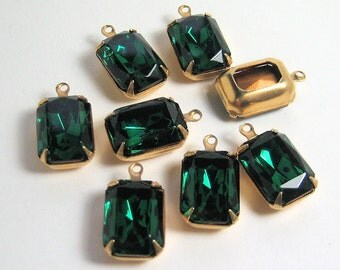 Qty 8 - 14x10 Swarovski Emerald Green Octagons in Brass Prong 1 Ring Settings