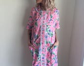 vintage 70s house dress 1970s floral tropical plus size plus figure pink garden housewife