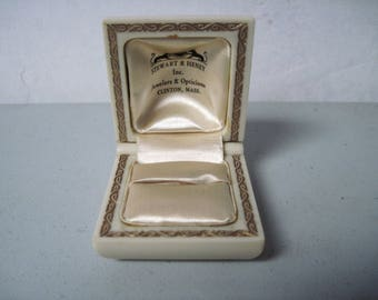 Vintage jewelry store Ring Box