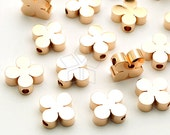 ME-262-RG / 4 Pcs - Clover Charms, Four Leaf Clover Bead Centerpiece, Poker Pendant, Rose Gold Plated over Brass / 8mm