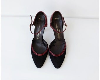 Free Shipping. 1980's Black Pumps Charles Jourdan Paris Designer Heels Black Shoes Point Toe Suede Leather size 6.5M Euro 37