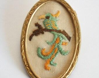 Vintage bird brooch. Hand embroidered brooch